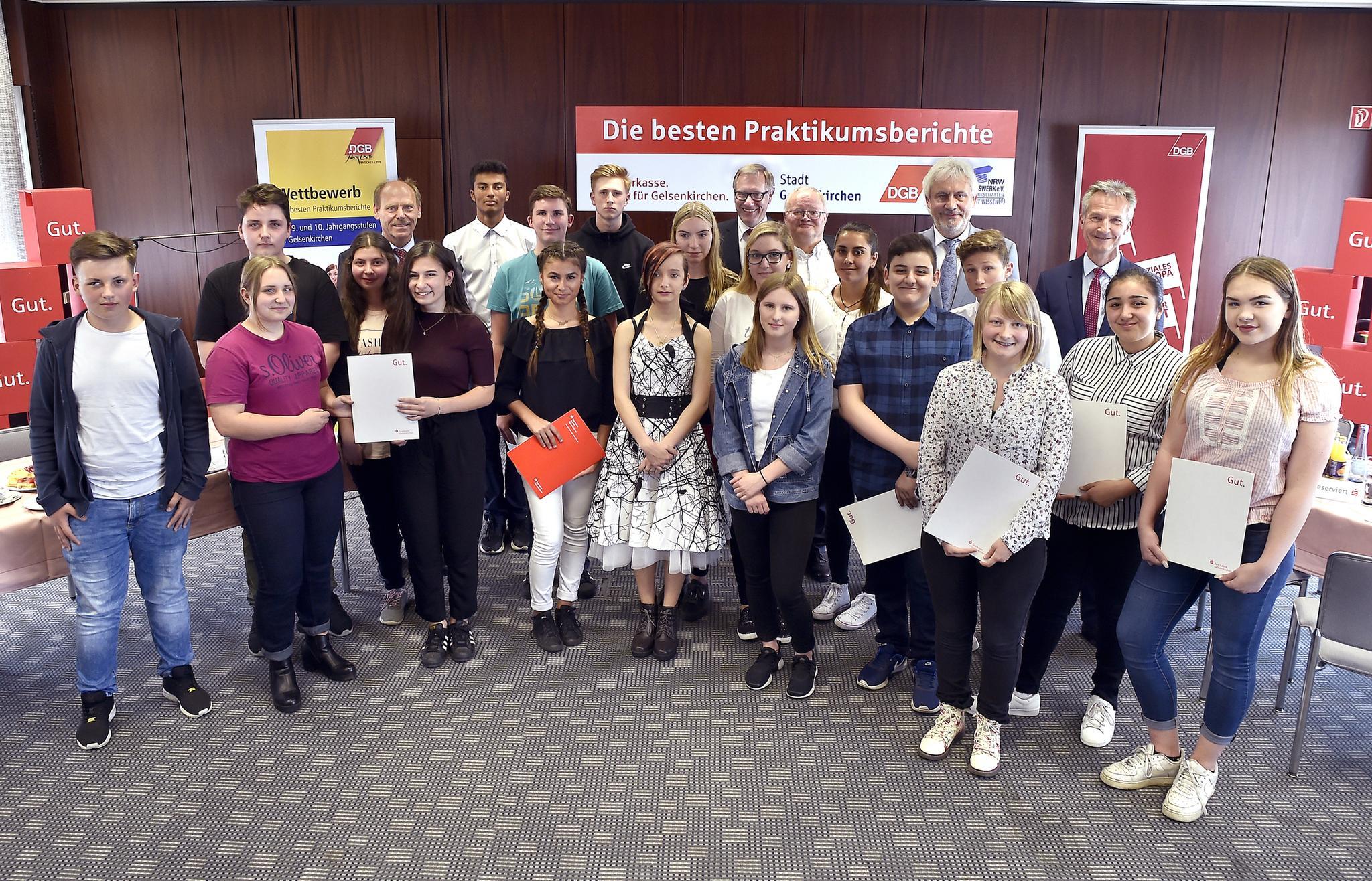 Siegerinnen und Sieger des Praktikumswettbewerbs 2017